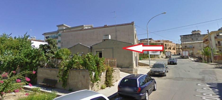 Casa singola in Via Della Regione Siciliana 2, Serradifalco