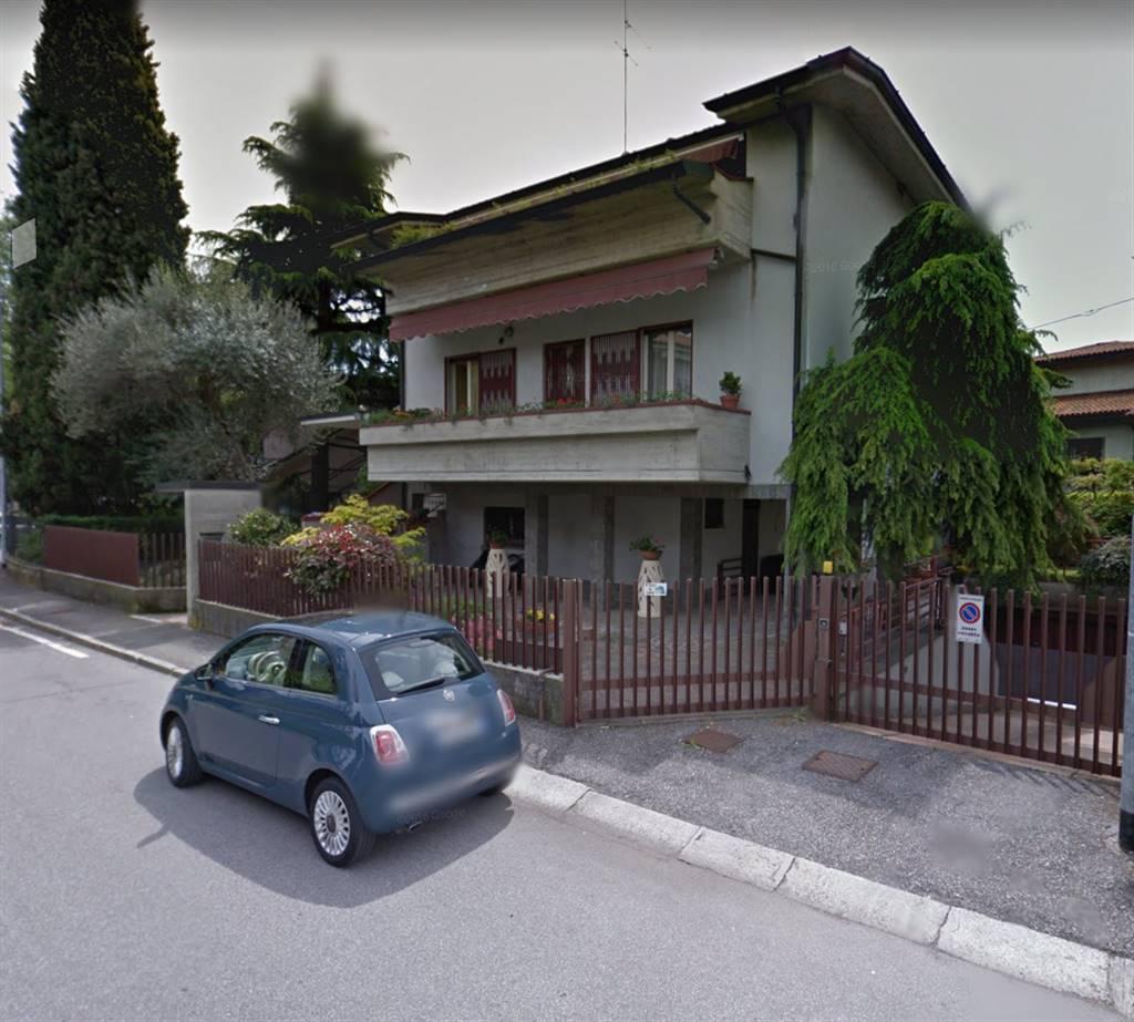 Quadrilocale in Via Donini 1, Longuelo, Bergamo