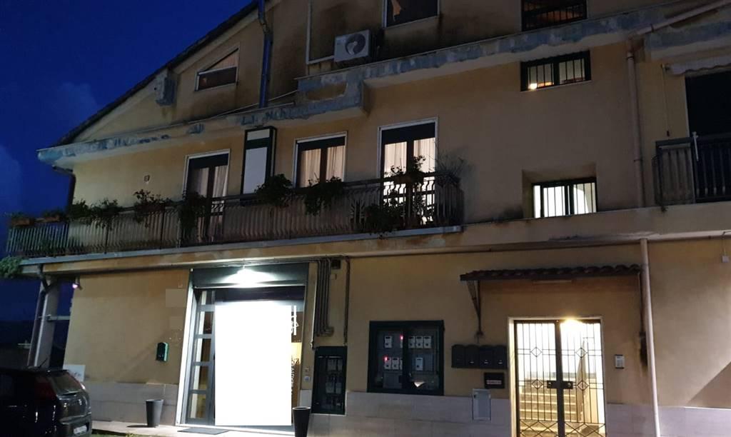 Casa semi indipendente, Fuorni, Salerno, in ottime condizioni