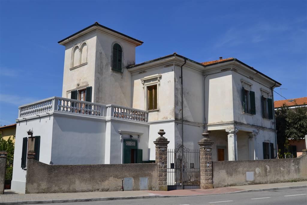 Villa, Cecina, in ottime condizioni