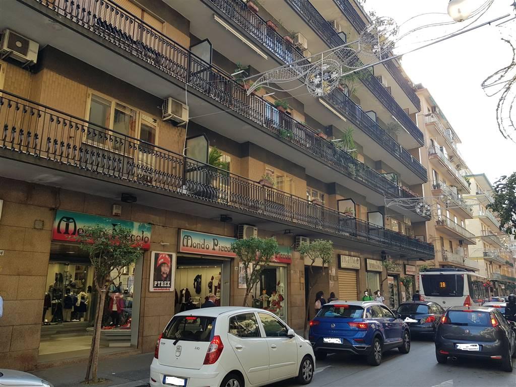 Quadrilocale in Via Del Carmine, Carmine, Salerno