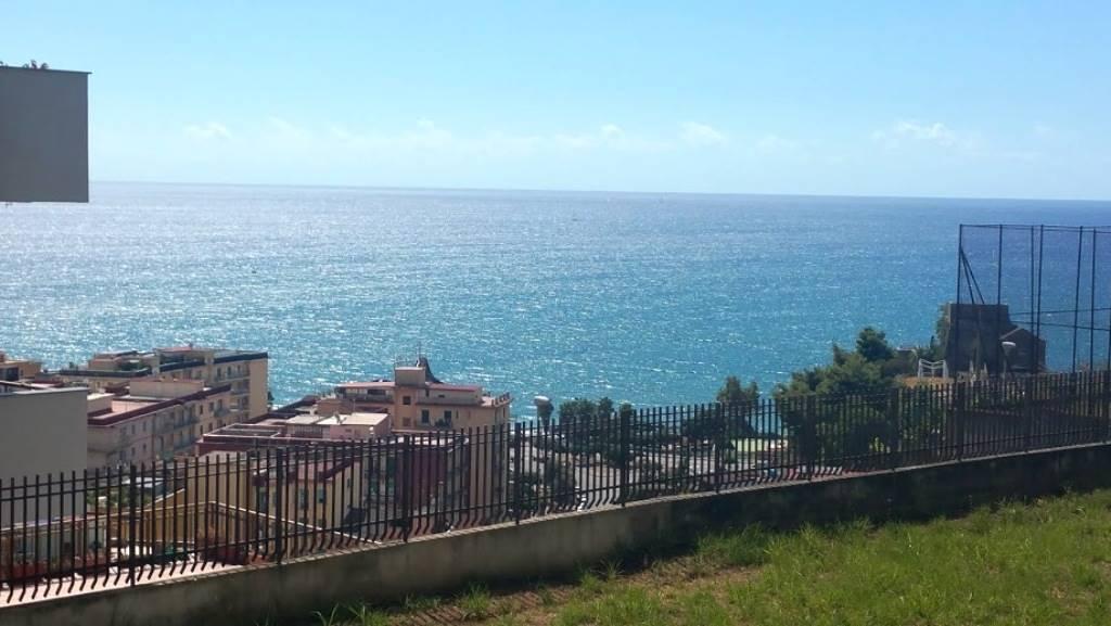 Appartamento in Viale Delle Ginestre, Ginestre , Sala Abbagnano , Panoramica , Casa Manzo, Salerno