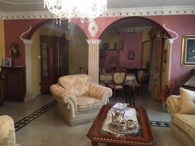 Villa, Sannazzaro De'burgondi, in ottime condizioni