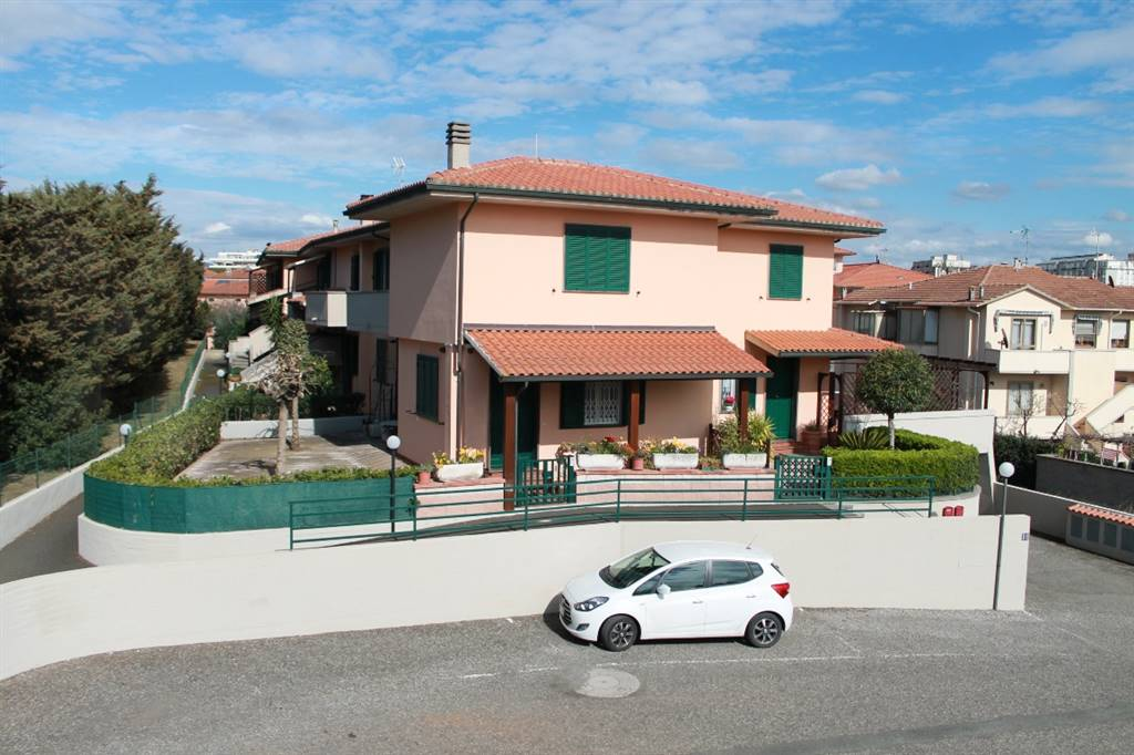 Appartamento in Via Serchio 12, Cecina Mare, Cecina