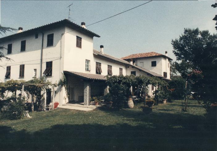 Villa in vendita a Serravalle Scrivia, 12 locali, prezzo € 450.000 | PortaleAgenzieImmobiliari.it