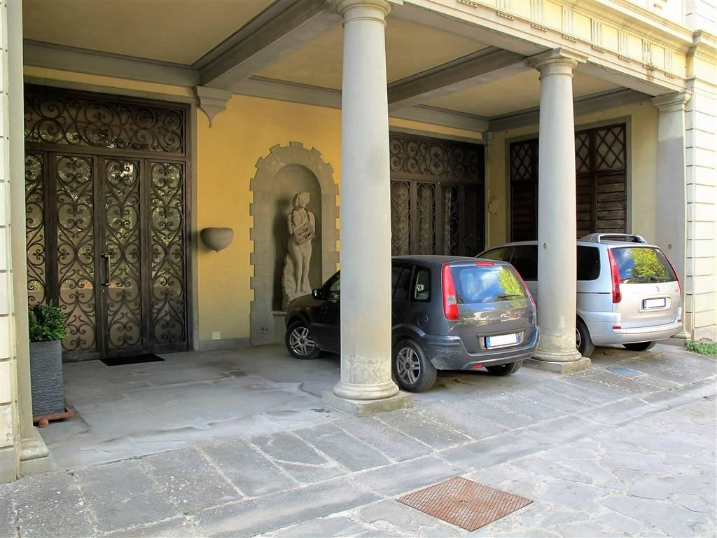 Immobili di prestigioFirenze - Villino in Piazza Massimo D'azeglio, Firenze