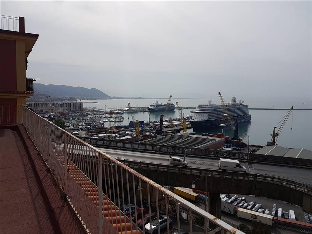 Quadrilocale, Porto, Salerno, ristrutturato
