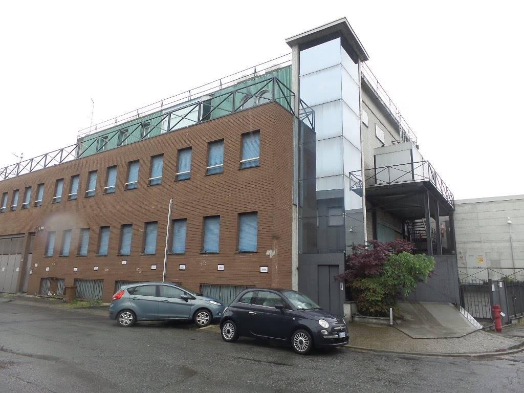 Palazzo / Stabile in Vendita a Sesto San Giovanni