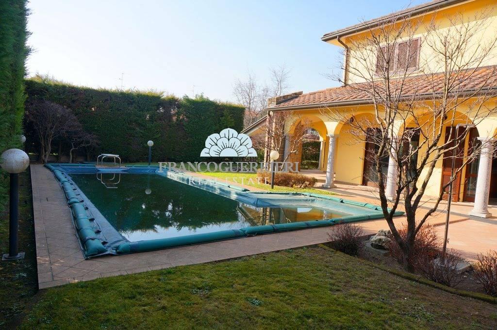 Villa in Via San Francesco, Mezzago