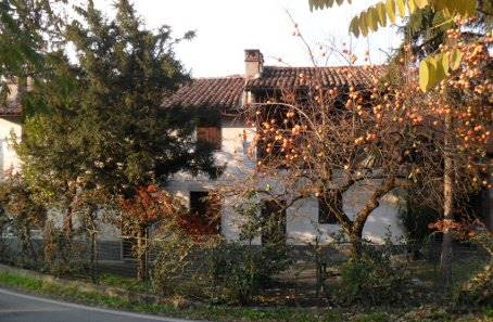Casa singola, Zenevredo, da ristrutturare