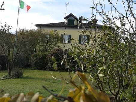 Casa semi indipendente, Castana, ristrutturato