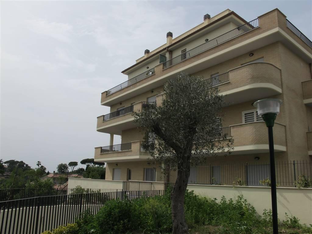 Bilocale in Via Di Boccea  684, Boccea, Torrevecchia, Pineta Sacchetti, Roma