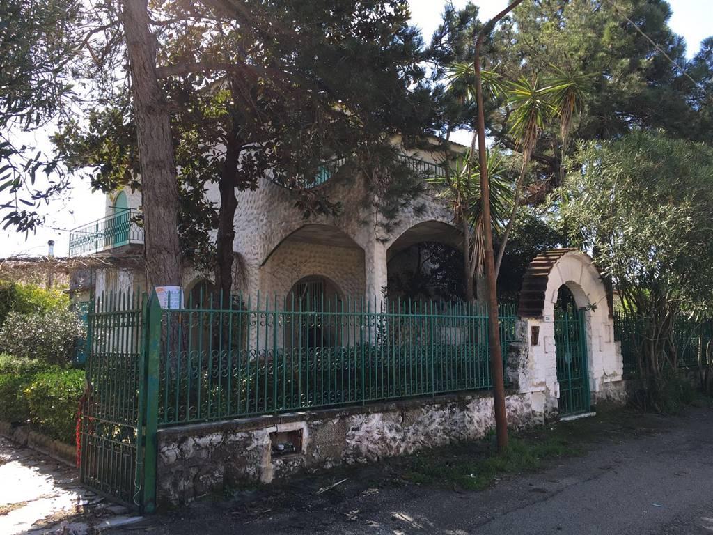 Villa, Castel Volturno, da ristrutturare