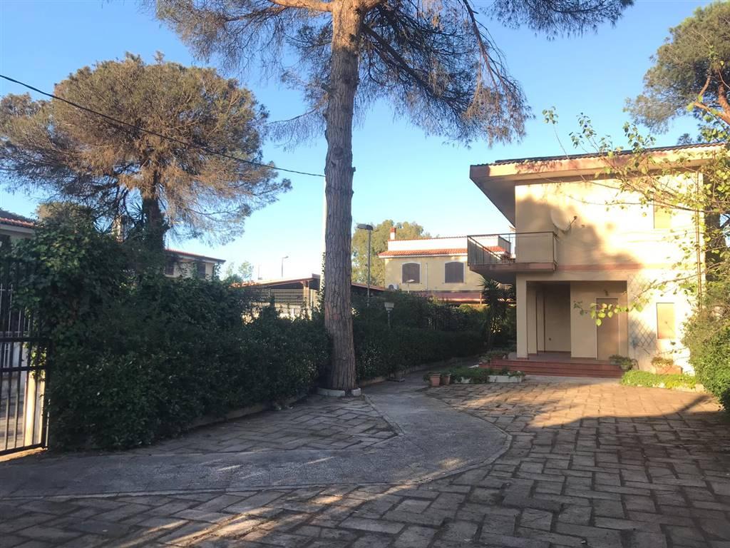 Villa, Castel Volturno