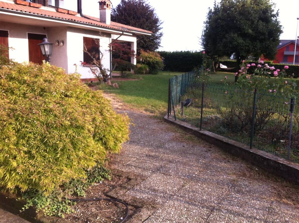 Villa, Cavenago Di Brianza, in ottime condizioni