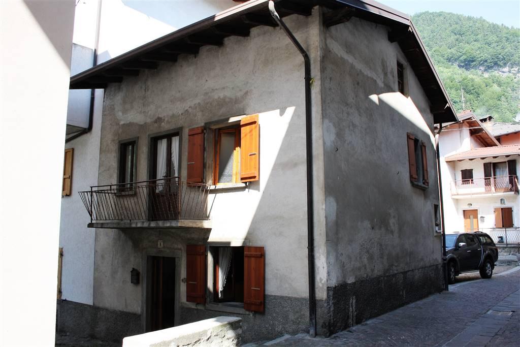 Casa semi indipendente in Via Santa Maria Maddalena 8, Azzone