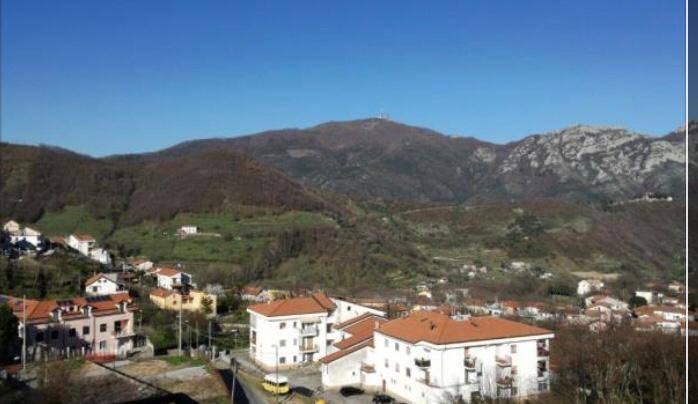 Appartamento in vendita a Tramonti, 3 locali, zona Zona: Cesarano, prezzo € 270.000 | CambioCasa.it