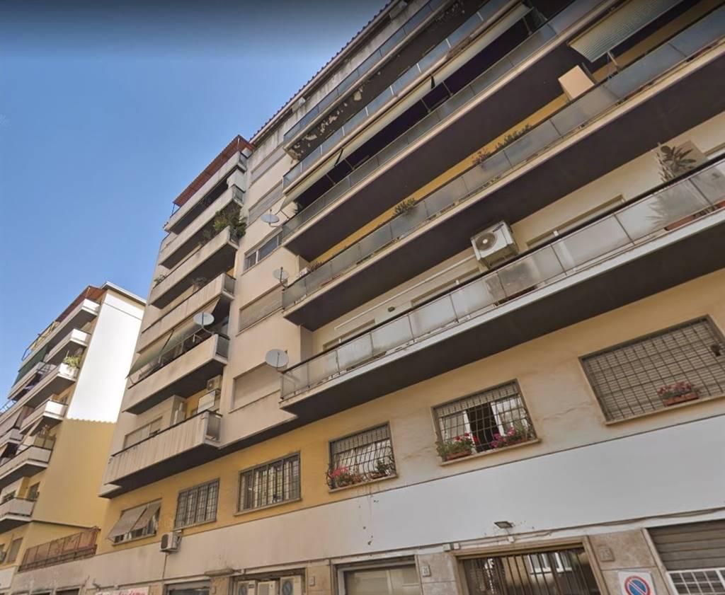 Quadrilocale in Via Giuseppe De Leva 23/5, Appio Latino, Appia Nuova, Appio Pignatelli, Capan, Roma