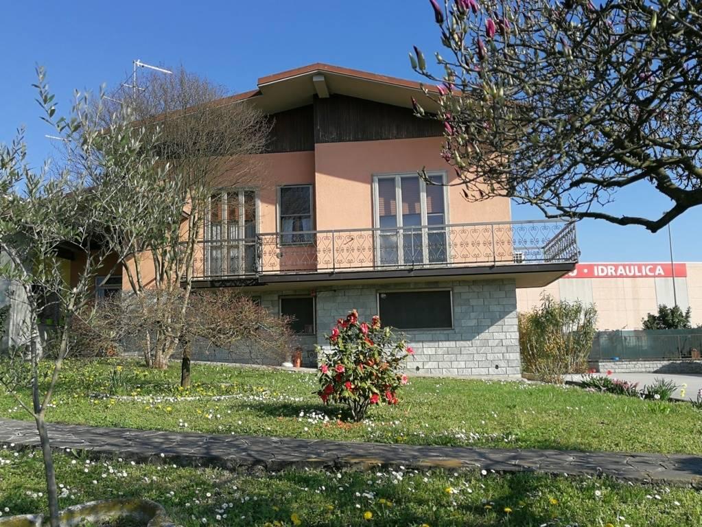 Villa in Via A.de Gasperi 12, Cornegliano Laudense
