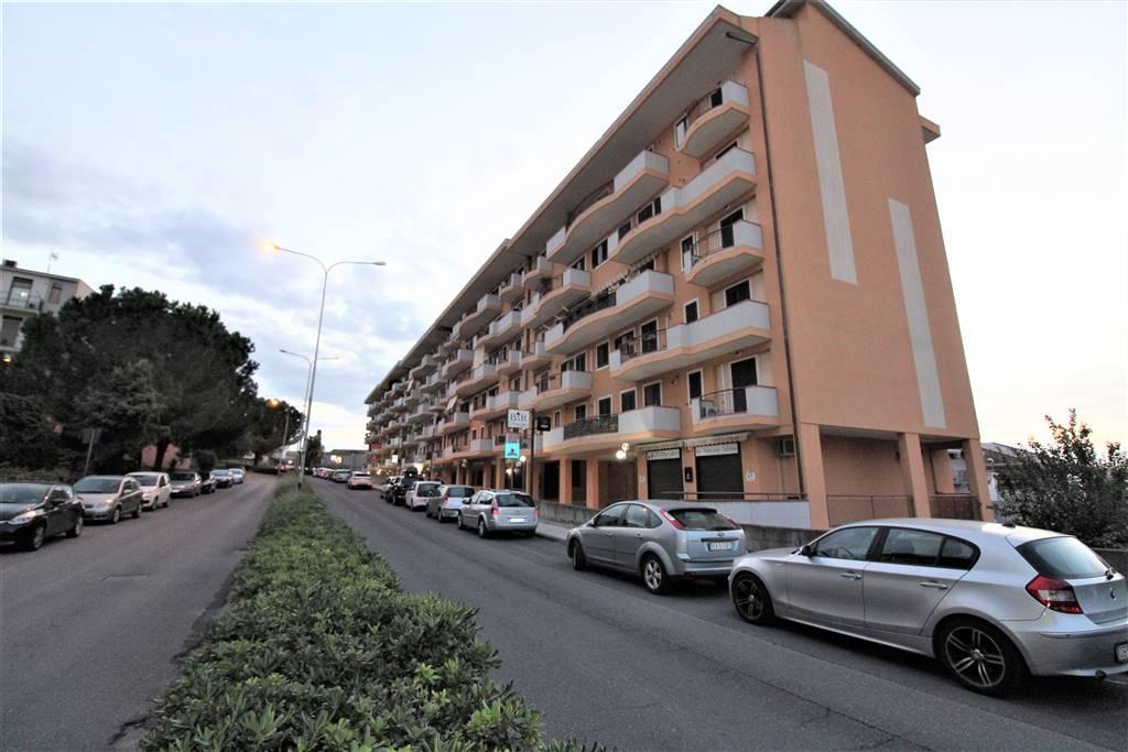 Appartamento in affitto a Lentini, 5 locali, zona Località: CAMPO SPORTIVO, prezzo € 450   PortaleAgenzieImmobiliari.it