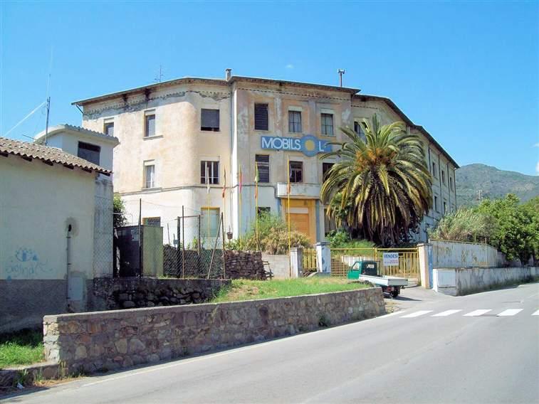 Immobile Commerciale in vendita a Dolceacqua, 40 locali, zona Località: ESTERNO BORGO, prezzo € 800.000   PortaleAgenzieImmobiliari.it