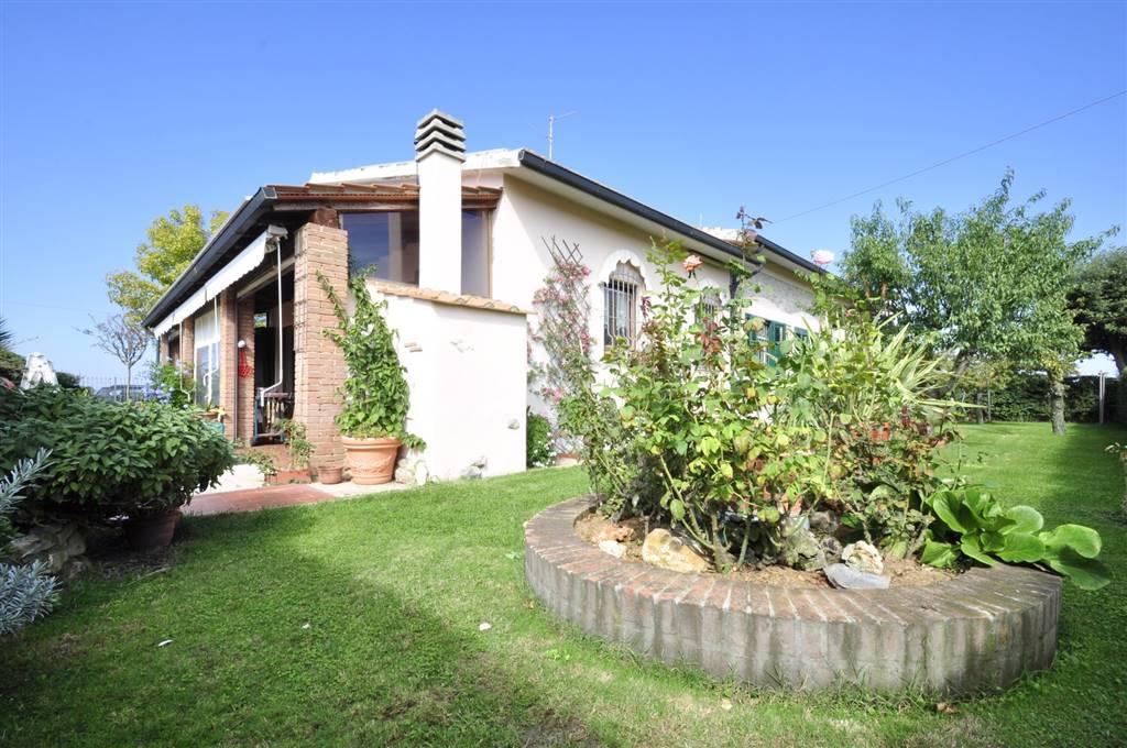 Villa, Venturina, Campiglia Marittima, in ottime condizioni