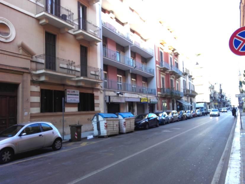 Negozio in Via Carulli  80, Murat, Bari