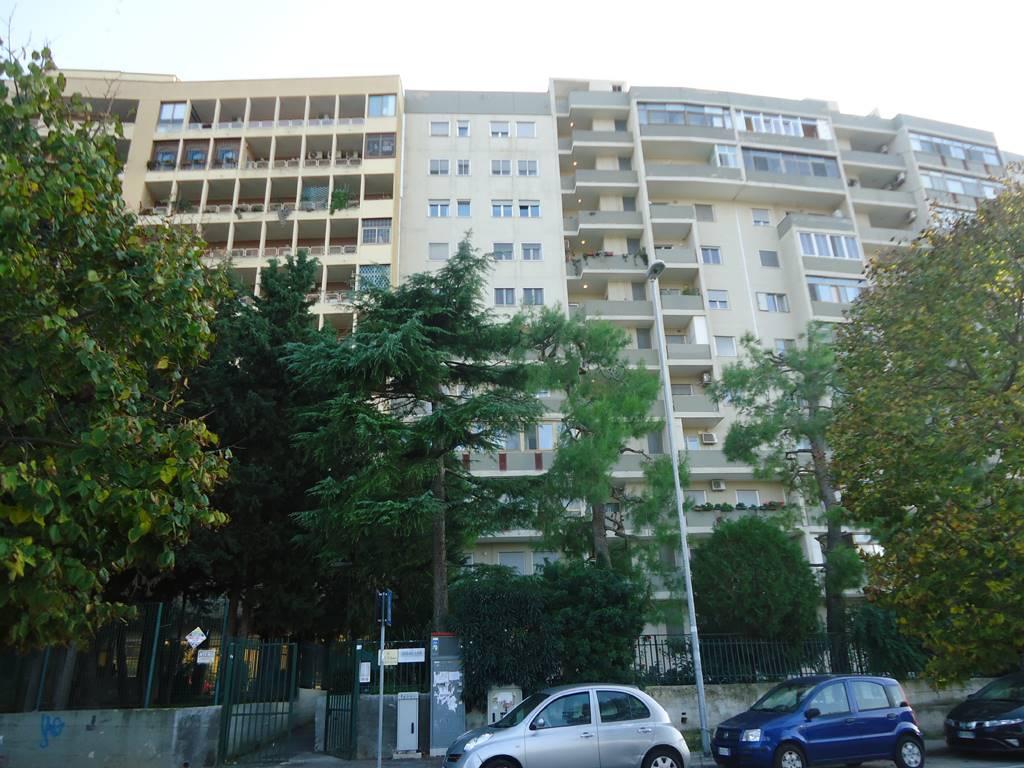 Ufficio in Via San Tommaso D'aquino 8/b, Poggiofranco, Bari