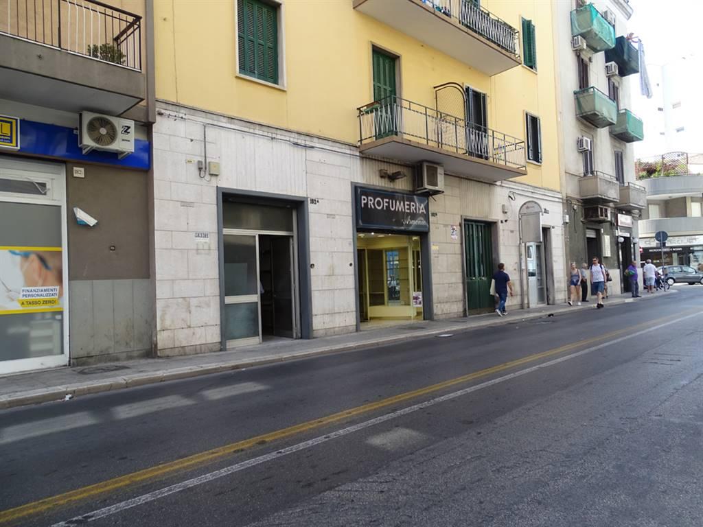 Negozio in Via Crispi  182/a - 182/b, Libertà, Bari