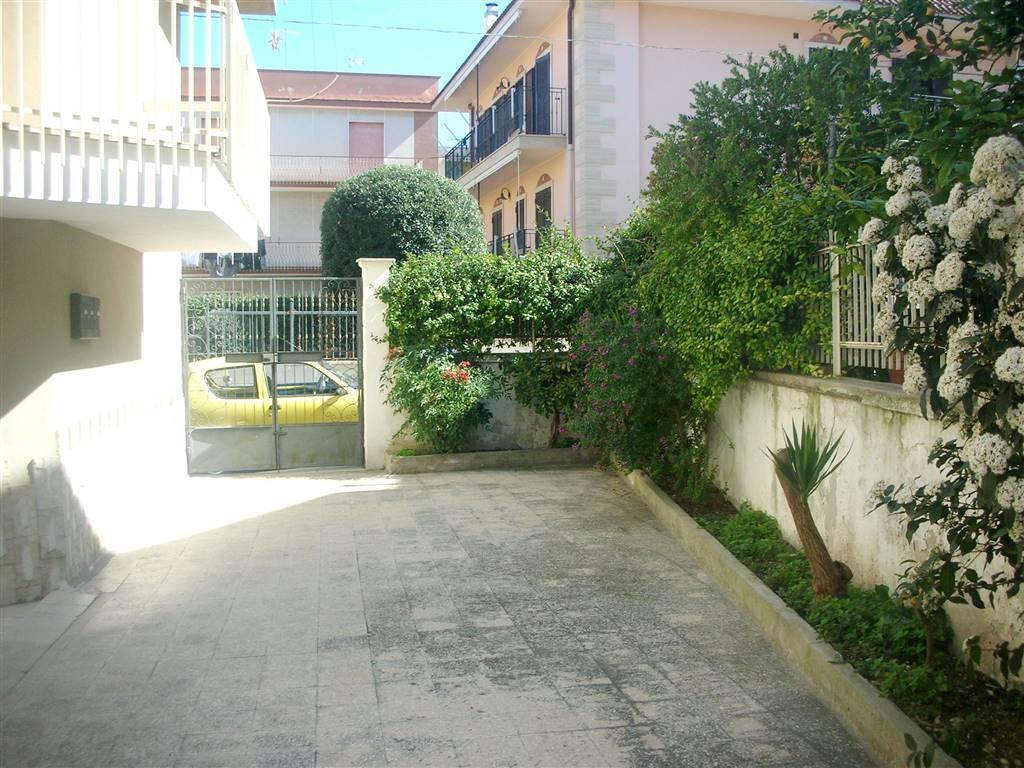 Appartamento in vendita a Canosa di Puglia, 4 locali, prezzo € 140.000   PortaleAgenzieImmobiliari.it