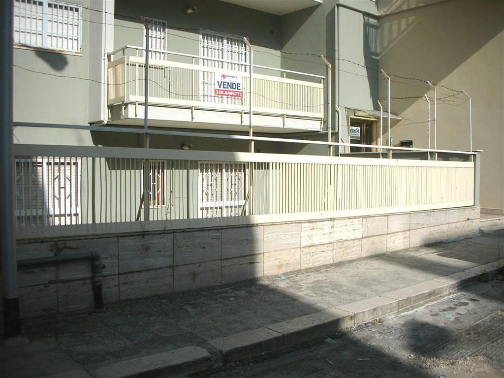 Appartamento in vendita a Canosa di Puglia, 4 locali, prezzo € 120.000   PortaleAgenzieImmobiliari.it