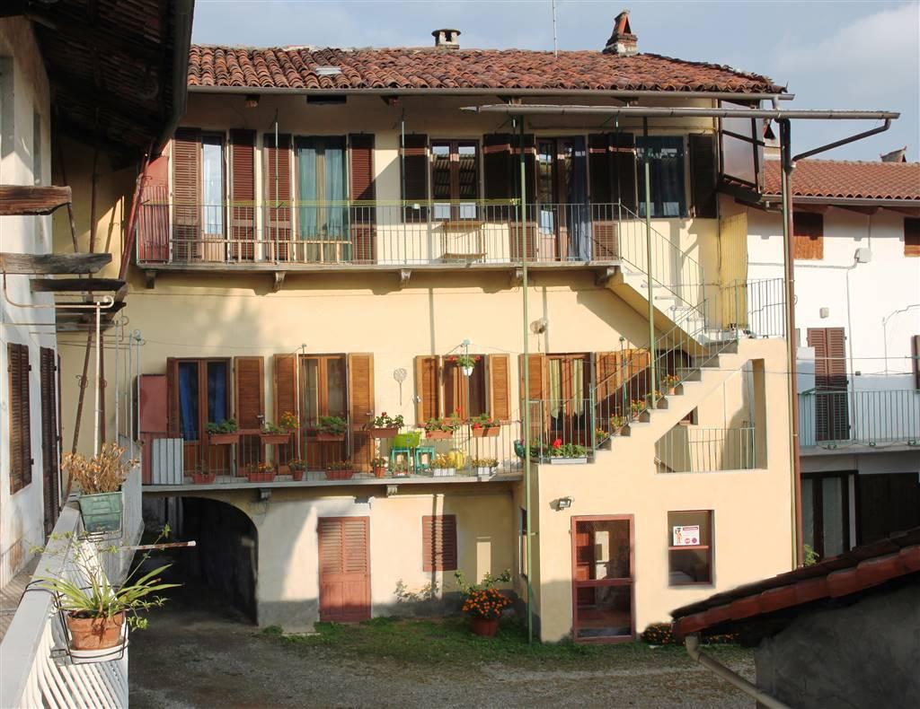 Soluzione Semindipendente in vendita a Castellamonte, 7 locali, prezzo € 79.000 | PortaleAgenzieImmobiliari.it