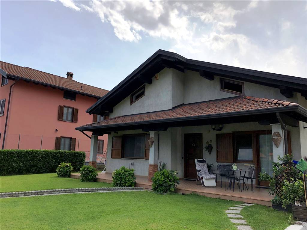 Villa in Via Boarie 7, Borgofranco D'ivrea