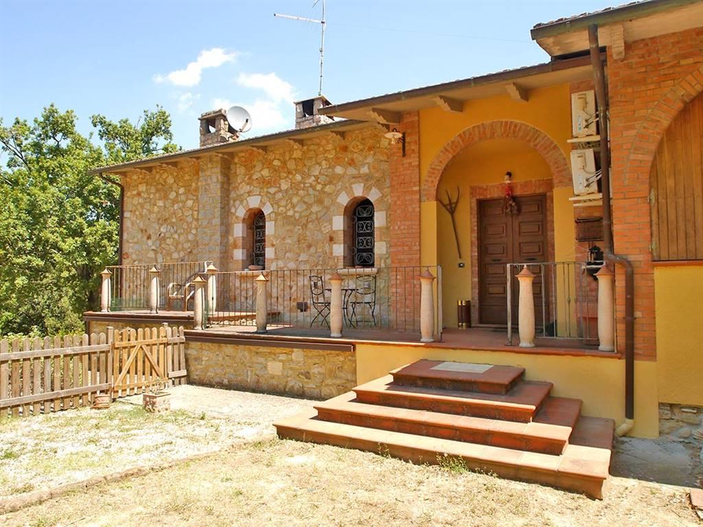 Casa singola, Serre Di Rapolano, Rapolano Terme, ristrutturata