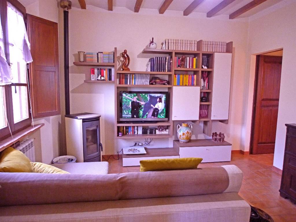 Appartamento in vendita a Monteroni d'Arbia, 4 locali, prezzo € 195.000 | CambioCasa.it