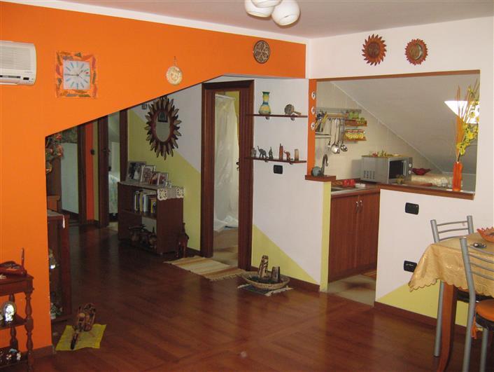 Appartamento in vendita a Montecorvino Pugliano, 3 locali, zona Località: PRATOLE, prezzo € 89.000   CambioCasa.it