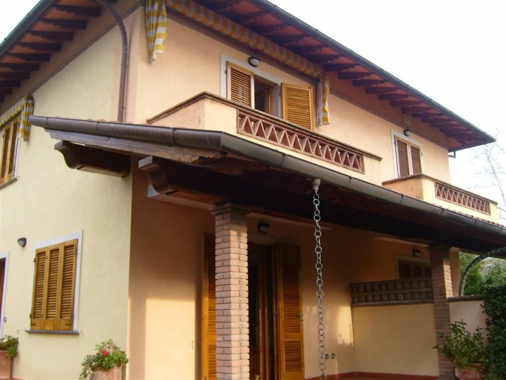 Bifamiliare, Marina Di Pietrasanta, Pietrasanta, in ottime condizioni