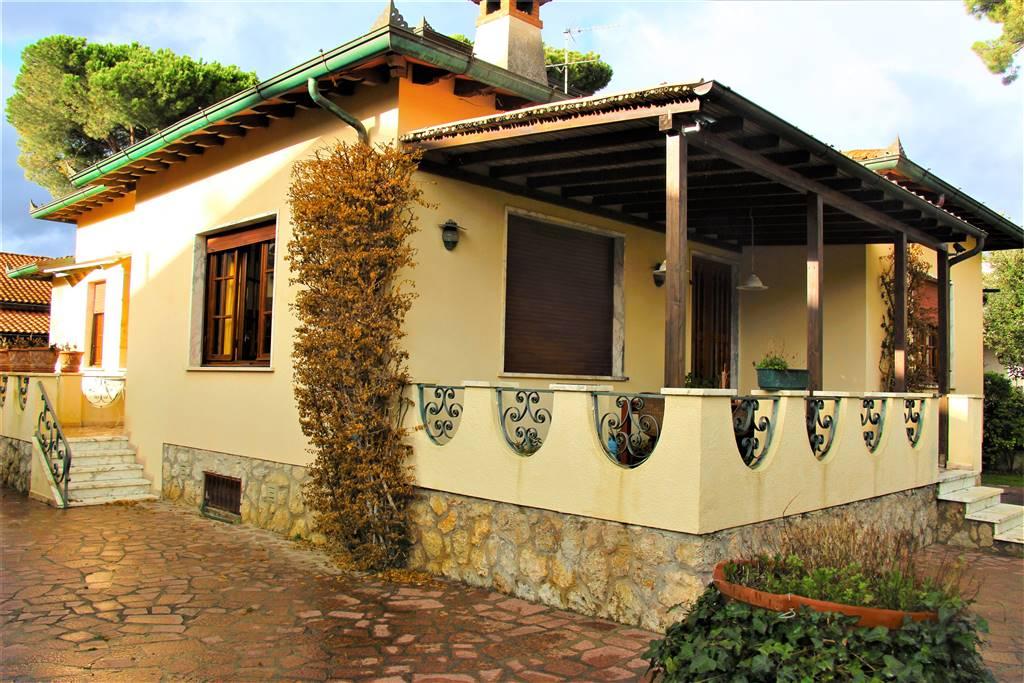 Villa, Marina Di Pietrasanta, Pietrasanta, abitabile