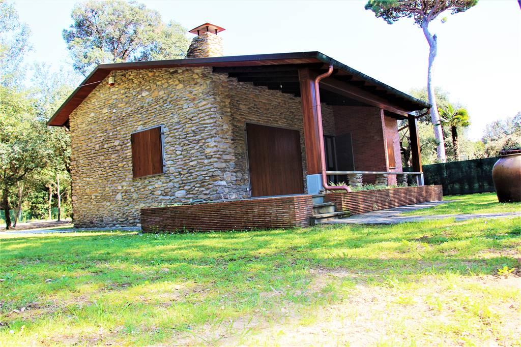 Villa in Via Grosseto, Marina Di Pietrasanta, Pietrasanta