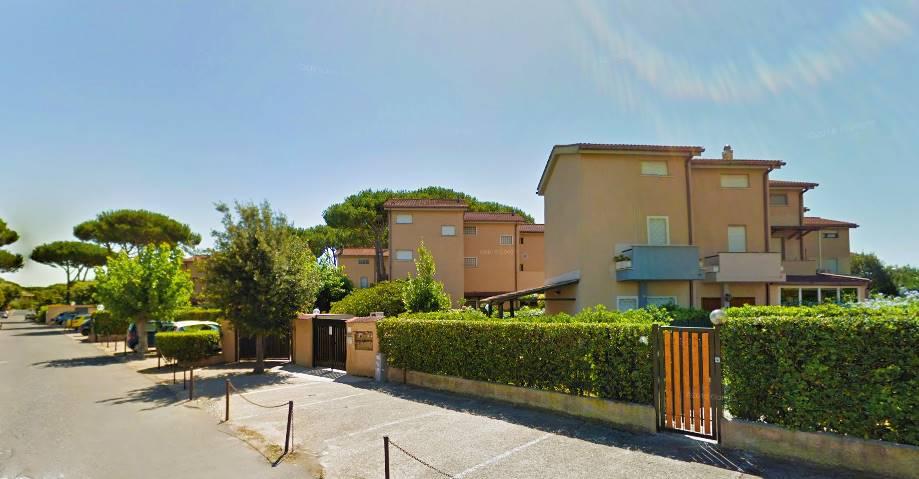Villino in Via Porto Recanati, Fregene, Fiumicino