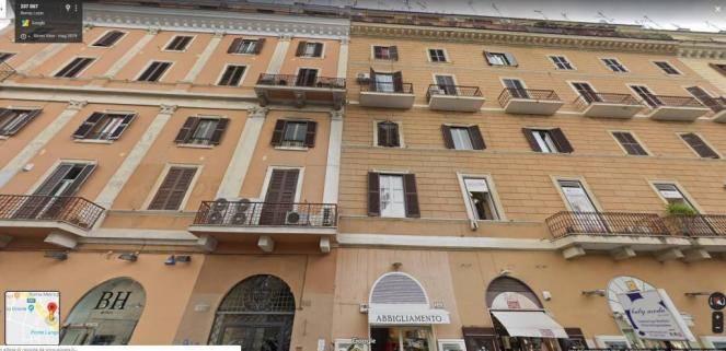Trilocale in Via Appia Nuova 243, Roma