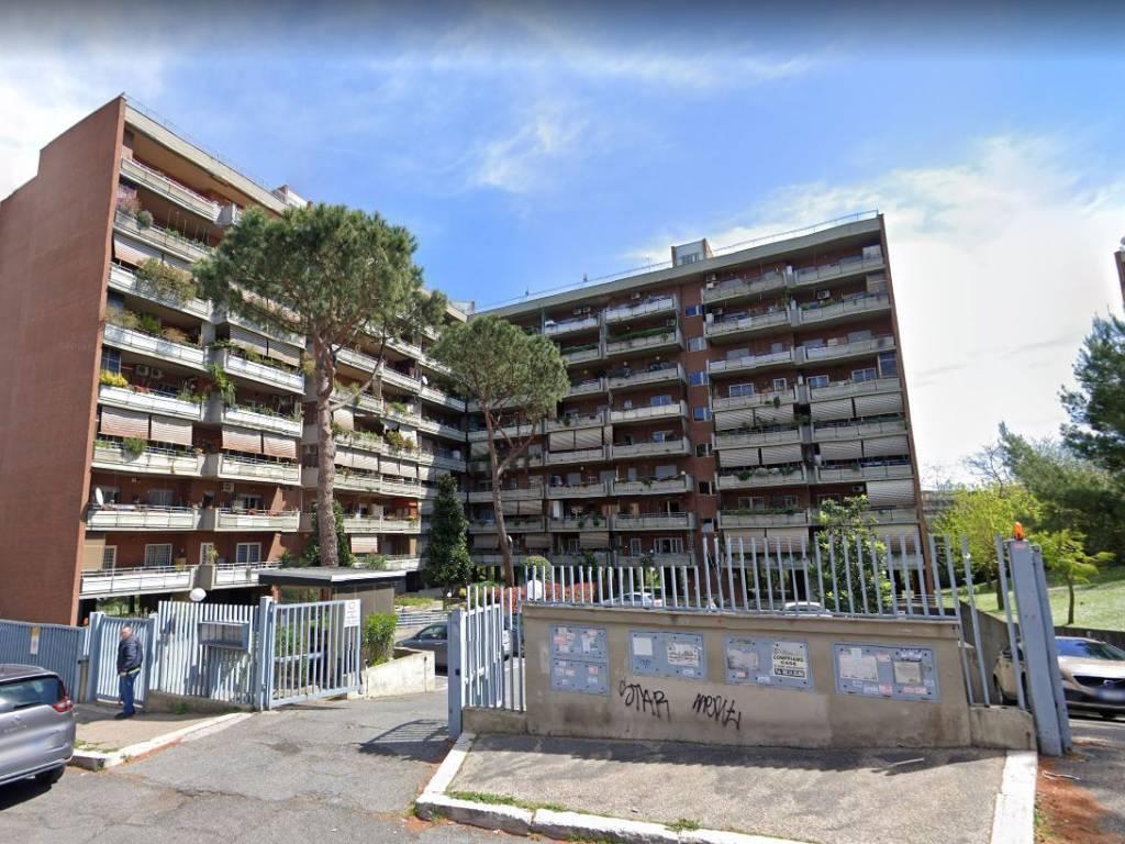 Trilocale in Via Mar Della Cina, Eur (europa), Laurentino, Montagnola, Roma