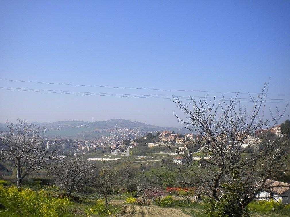 Villa, Pietralacroce, Ancona, in ottime condizioni