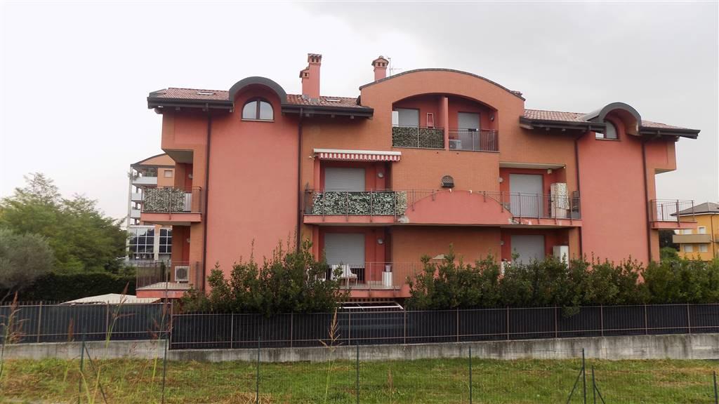 Trilocale in Via Ginestrino 13, Cologno Monzese