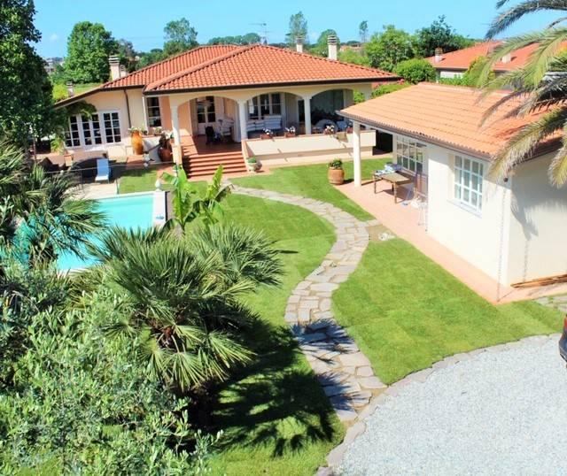 Villa, Lido Di Camaiore, Camaiore, in ottime condizioni