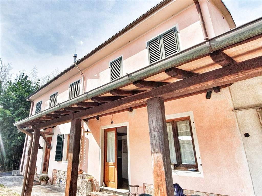 Colonica, Camaiore, ristrutturata