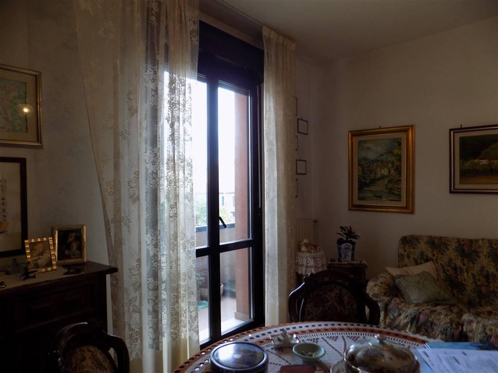 Appartamento in Piazzale Stazione  1, Santo Stefano Di Magra