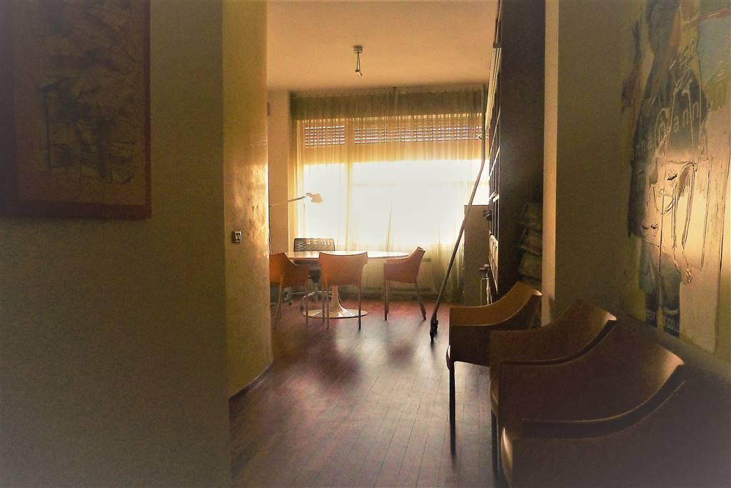 Bilocale, Centro, Pescara, in ottime condizioni