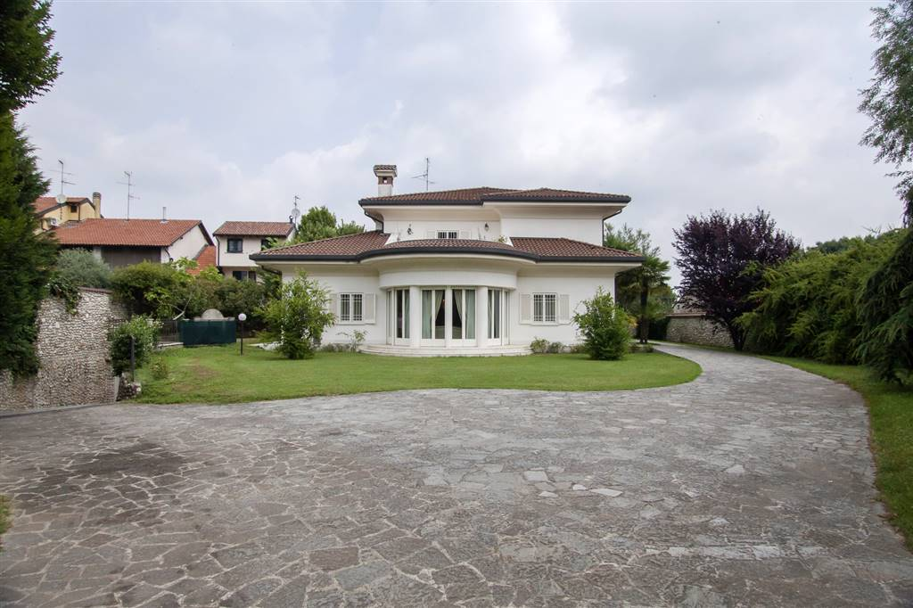 Villa in Via La Malfa 9, Agrate Brianza