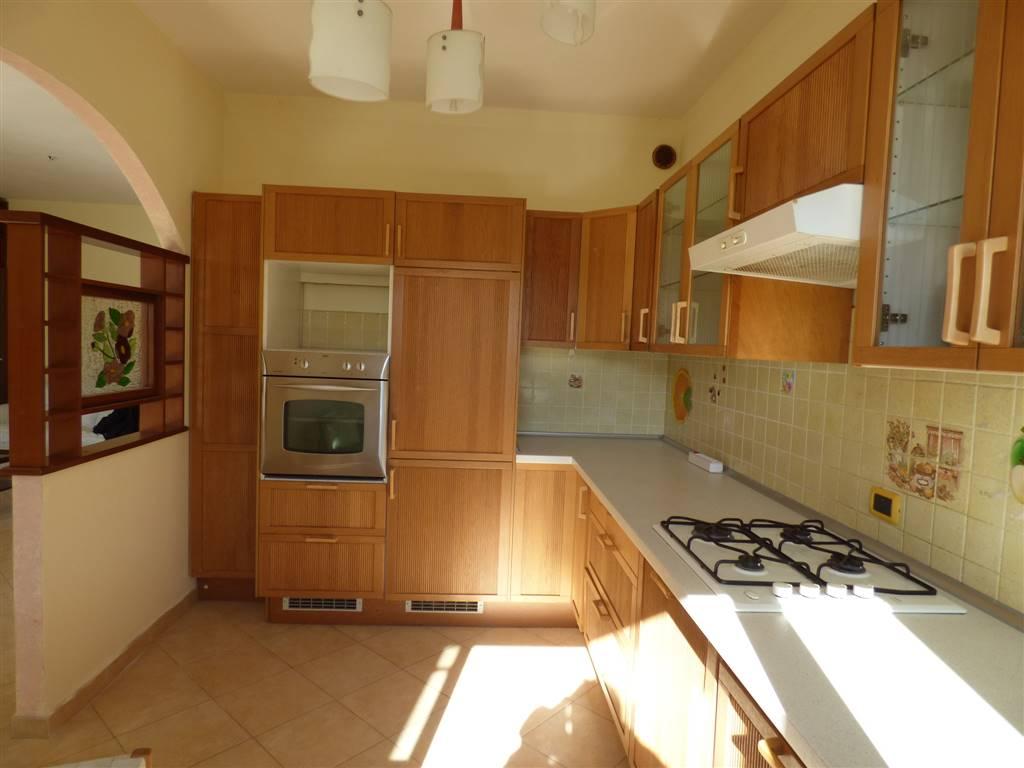 Appartamento in vendita a Santo Stefano di Magra, 4 locali, zona Località: PONZANO MAGRA CONAD, prezzo € 170.000 | PortaleAgenzieImmobiliari.it